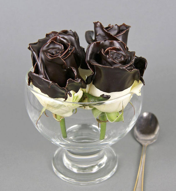 Some like it hot, some like it cold, i like it on roses!    Chocolate Love by VIP roses