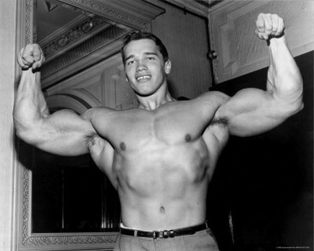 Arnold-Schwarzenegger-Young-Photos-33